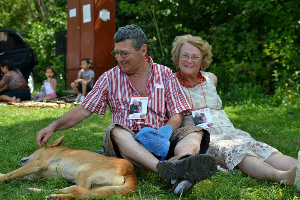 Nepoti de Craciun de vara: Picnic cu bunicutii