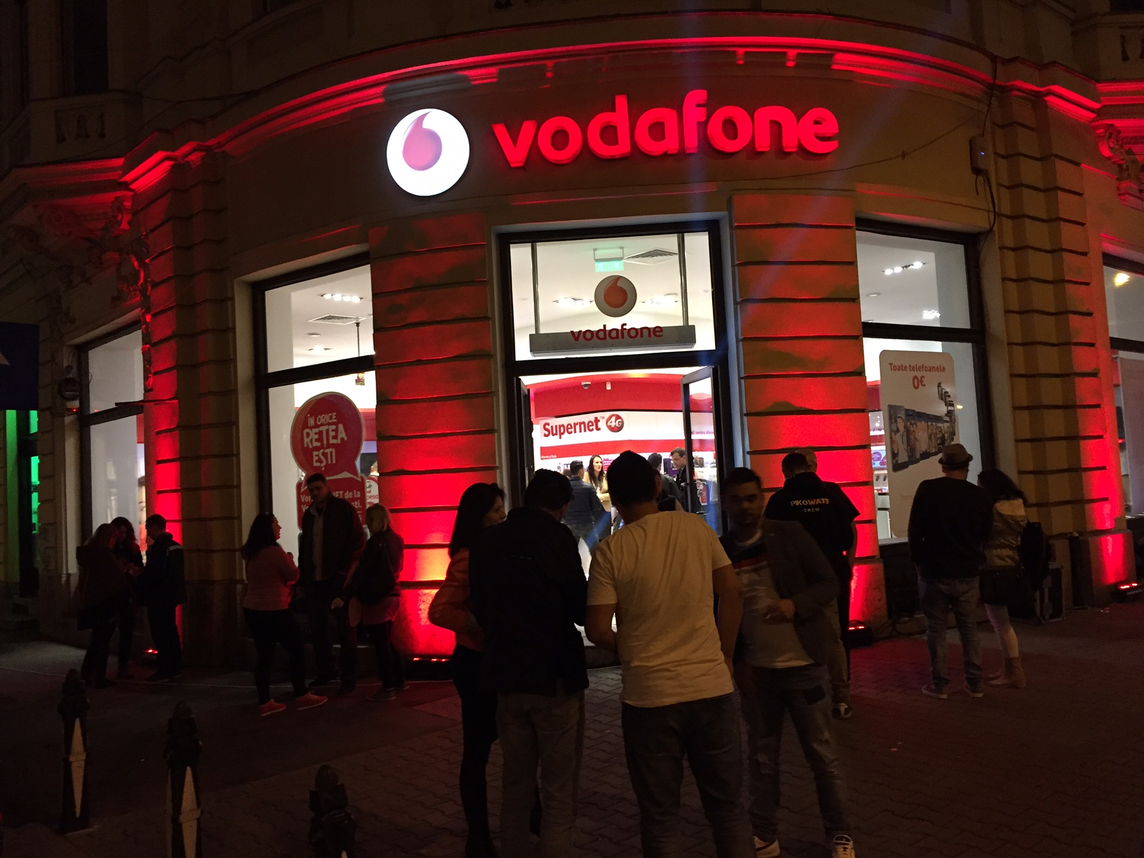 Lansare oficiala: iPhone 6S in Romania la Vodafone (P)