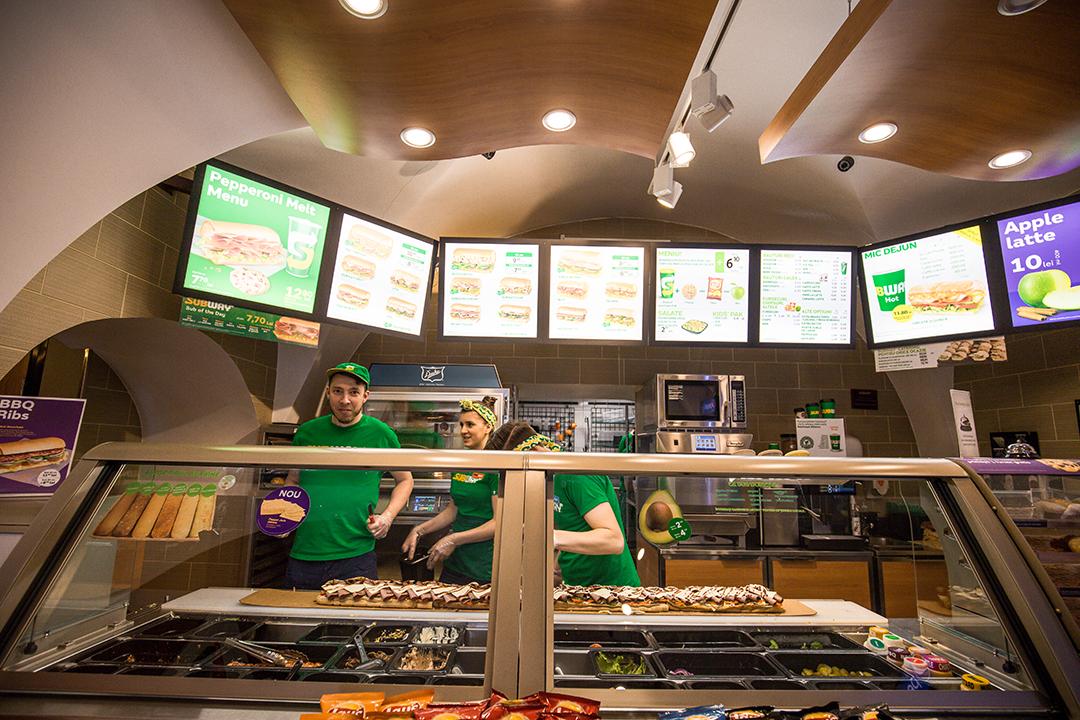 Poți hrăni 250 de oameni cu un sendviș?